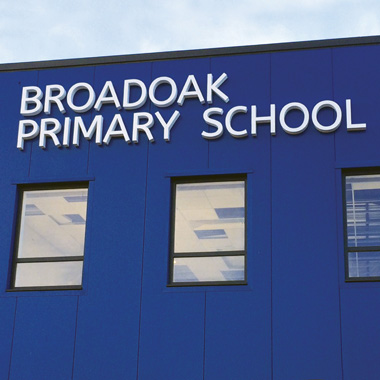 Broadoak school signage